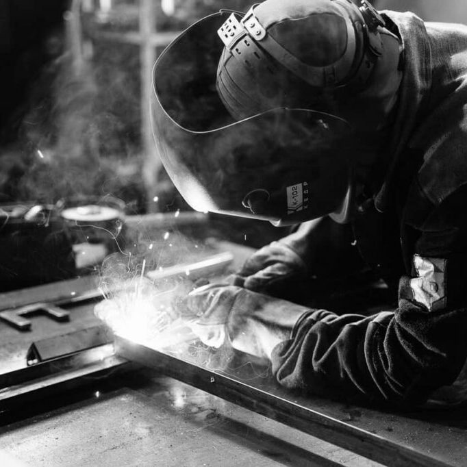 welder-fabrication-sheet-metal_1